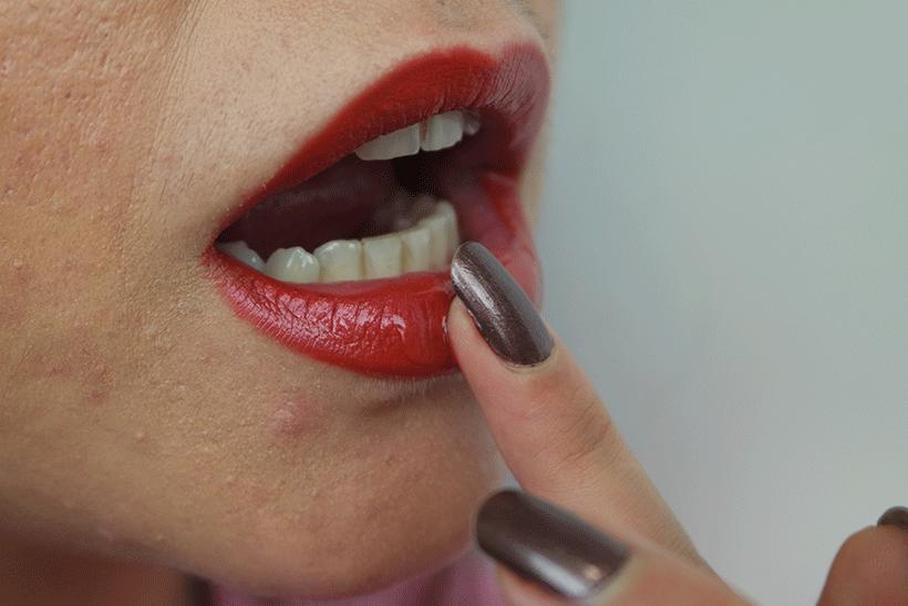 Gelée Démaquillante Lèvres AÏNY - Etape 2
