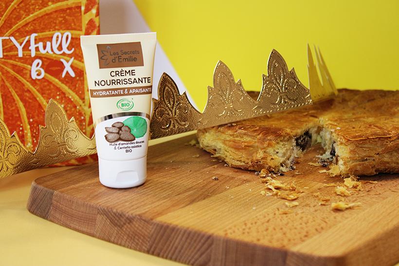 Crème Nourrissante Visage À l'Huile d'Amande Douce: Le plaisir d'une belle peau