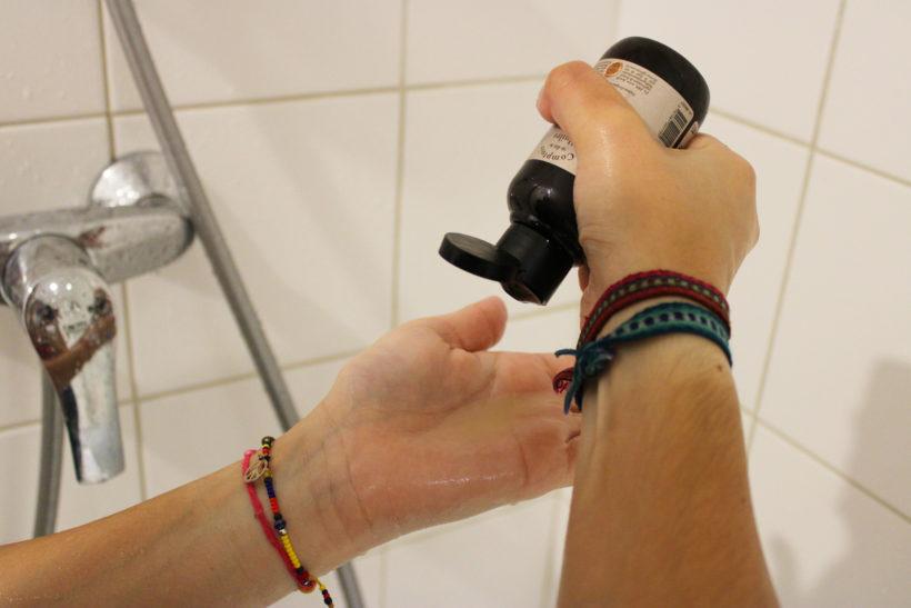 Huile de douche précieuse
