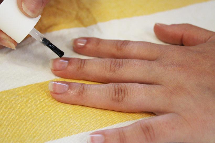 Vernis ongles naturel bleu lavande
