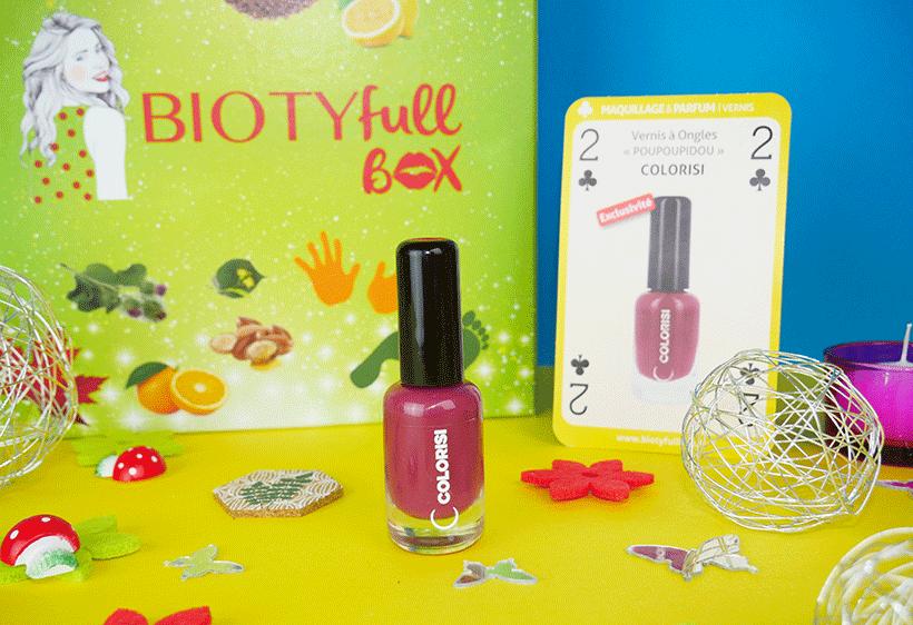 Tuto Maquillage Bio : Appliquez le Vernis Poupoupidou et sublimez vos ongles !
