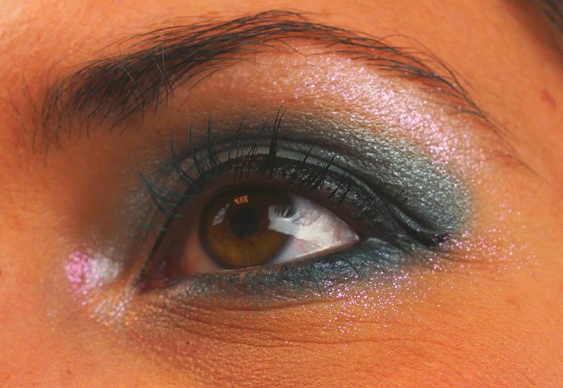 Maquillage Yeux Spécial Fête : Découvrez comment réaliser un superbe maquillage fête spécial yeux !
