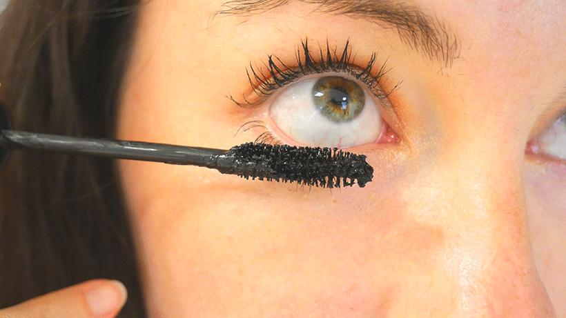 mascara-black-waterproof-2