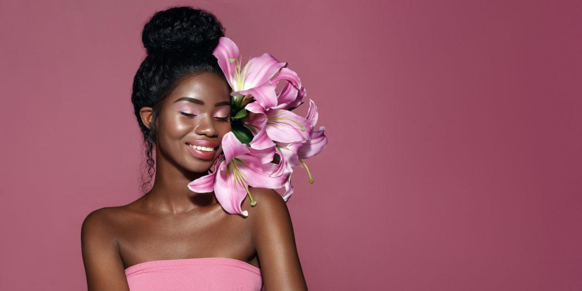Astuces beauté peau noire ou métissée: du soin au maquillage