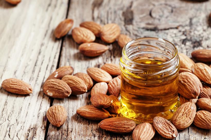 Huile d'amande douce: Tous les bienfaits de l'huile d'amande douce