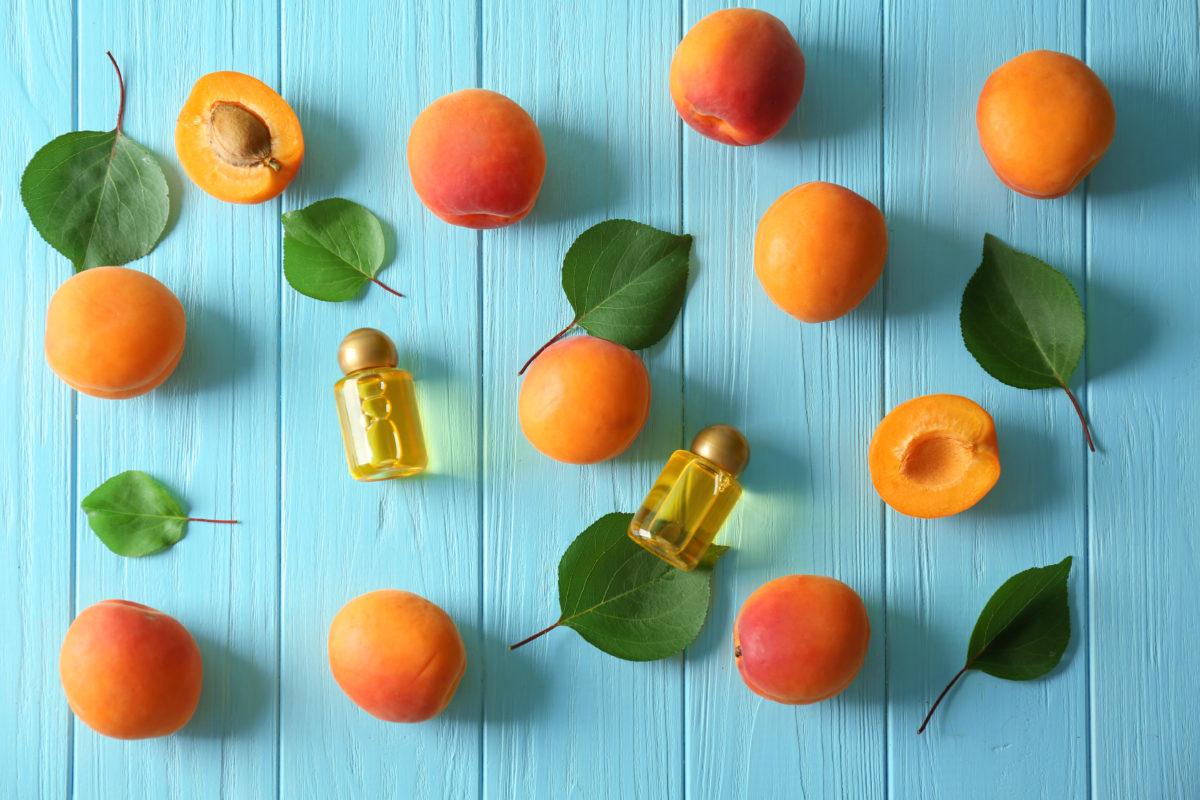 """L'huile de noyaux d'abricot:L'huile """"bonne mine"""" par excellence"""