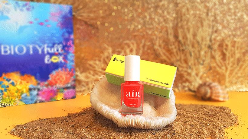Vernis à Ongles Corail + son Biotyfull Polissoir : Des ongles joliment teintés d'une couleur estivale !